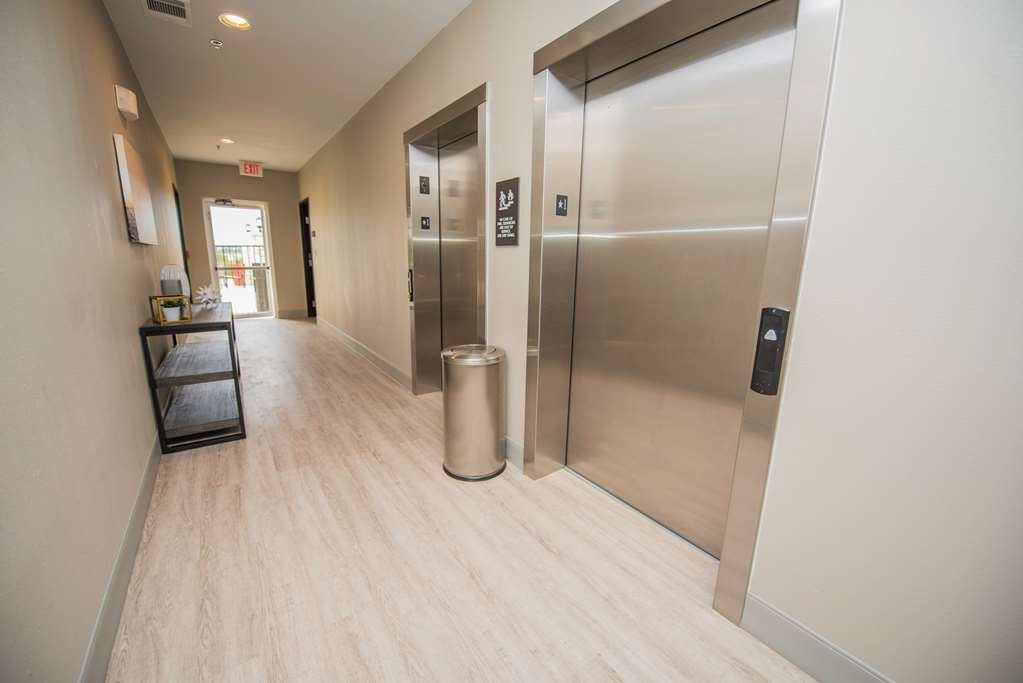 Best Western Plus Killeen/Fort Hood Hotel & Suites - Convenient Elevators