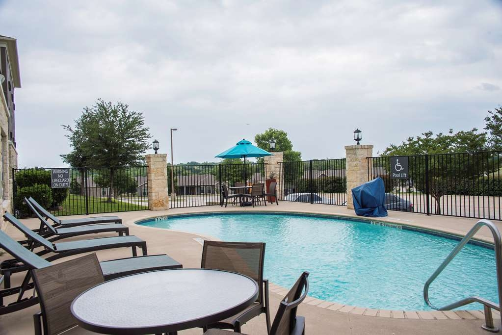 Best Western Plus Killeen/Fort Hood Hotel & Suites - Vue de la piscine