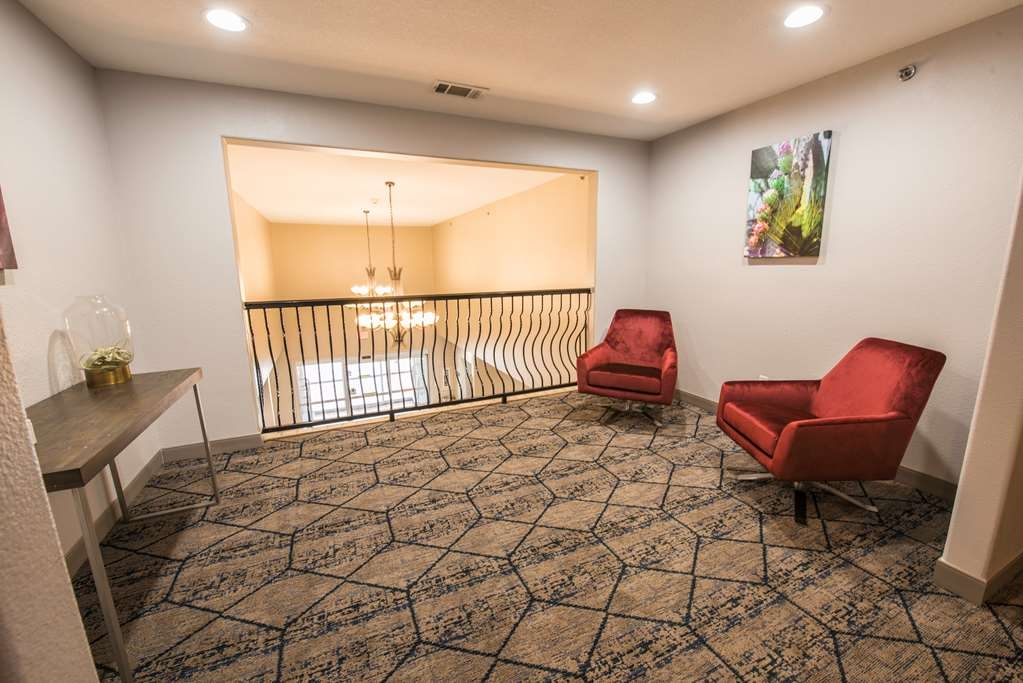 Best Western Plus Killeen/Fort Hood Hotel & Suites - Upstairs Sitting Area