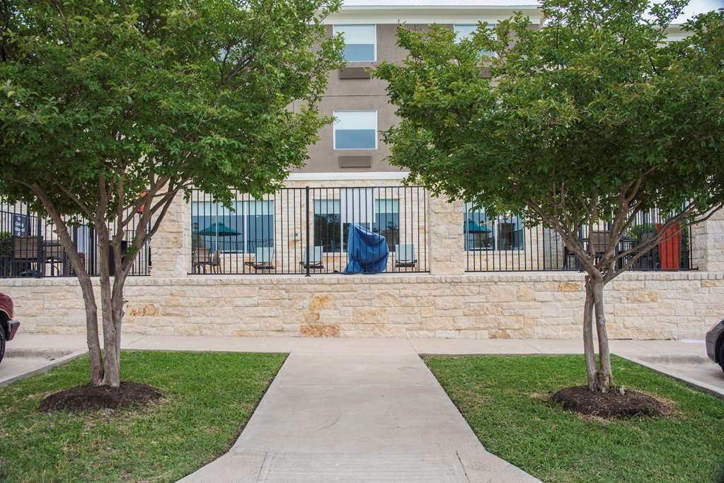 Best Western Plus Killeen/Fort Hood Hotel & Suites - Outdoor Area