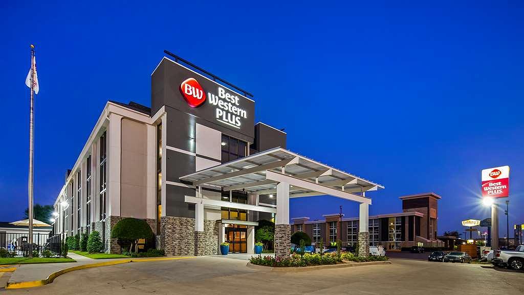 Best Western Plus Dallas Love Field North Hotel - Vista exterior