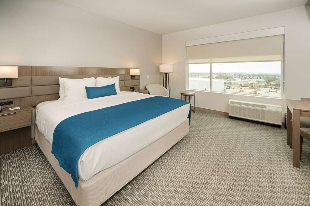 Best Western Plus Executive Residency Austin - This king junior suite featuring a kitchenette is your next extended stay getaway!