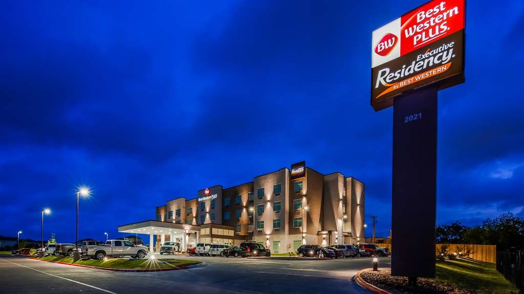 Best Western Plus Executive Residency Austin - Discover the best Austin has to offer by staying at the Best Western Plus Executive Residency Austin!