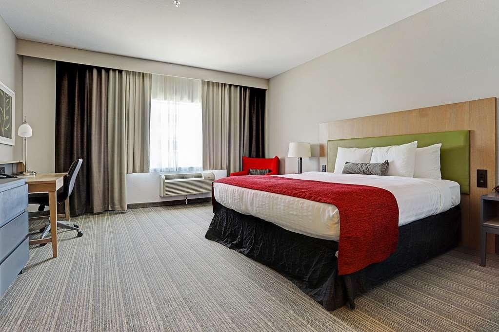 Best Western Plus Westheimer-Westchase Inn & Suites - King Guest Room