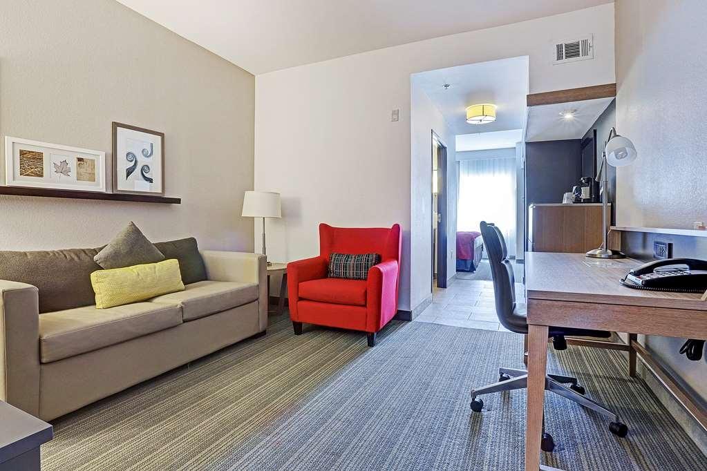 Best Western Plus Westheimer-Westchase Inn & Suites - King Guest Suite