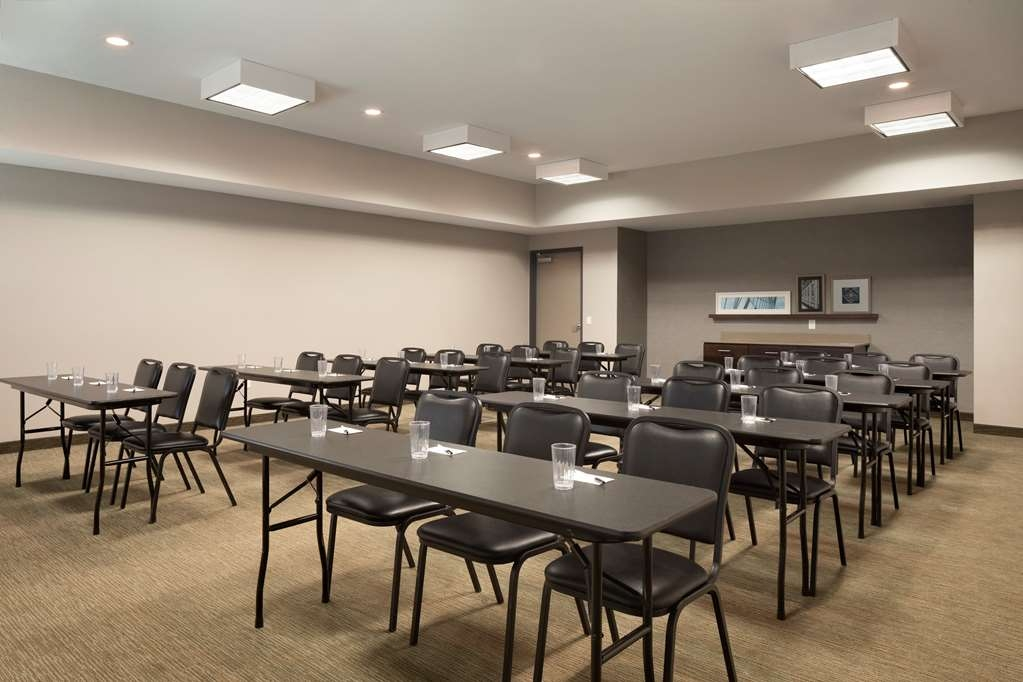 Best Western Plus Westheimer-Westchase Inn & Suites - Interior Corridor
