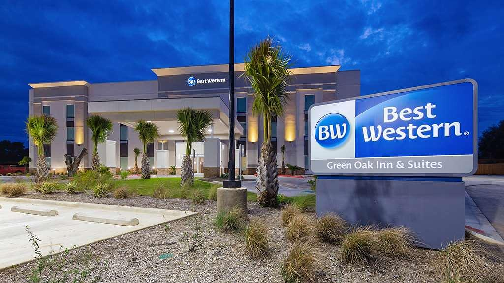 Best Western Green Oak Inn & Suites - Area esterna