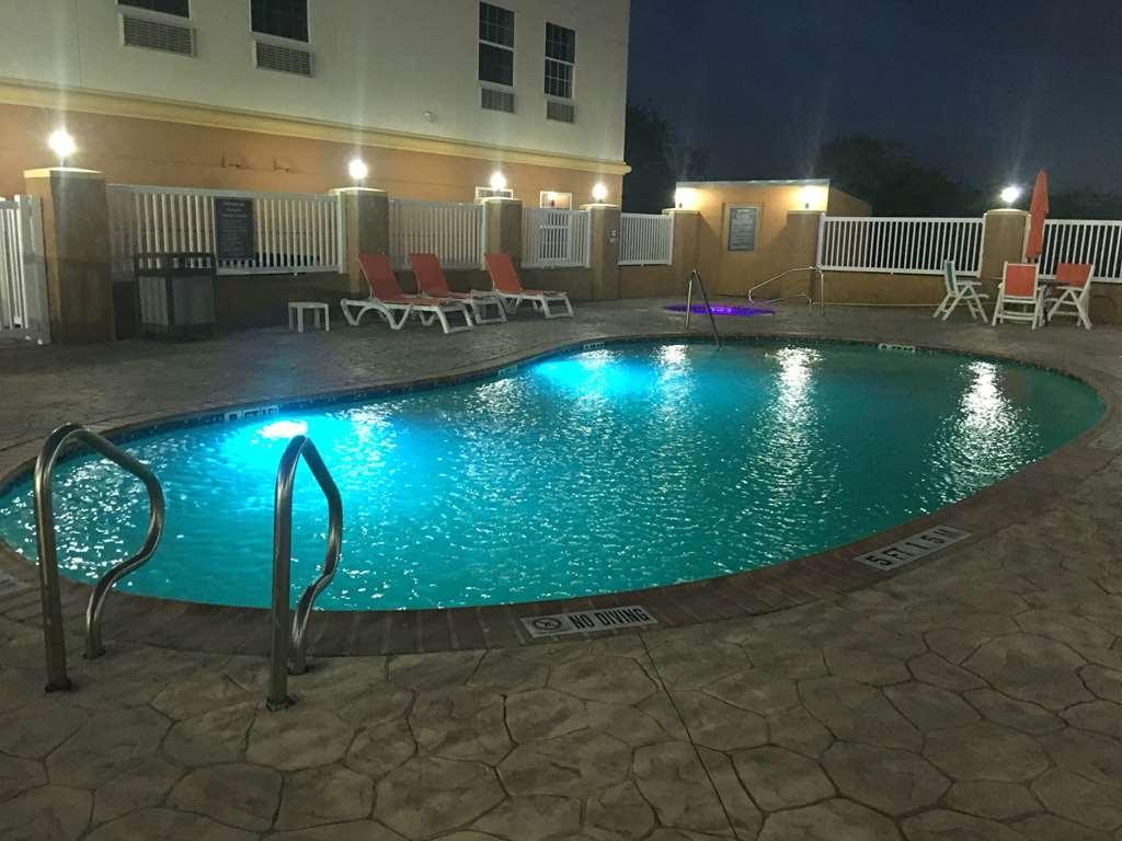 Best Western Ingleside Inn & Suites - Vue de la piscine
