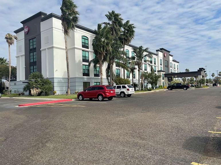 Best Western Plus McAllen Airport Hotel - Aussenansicht