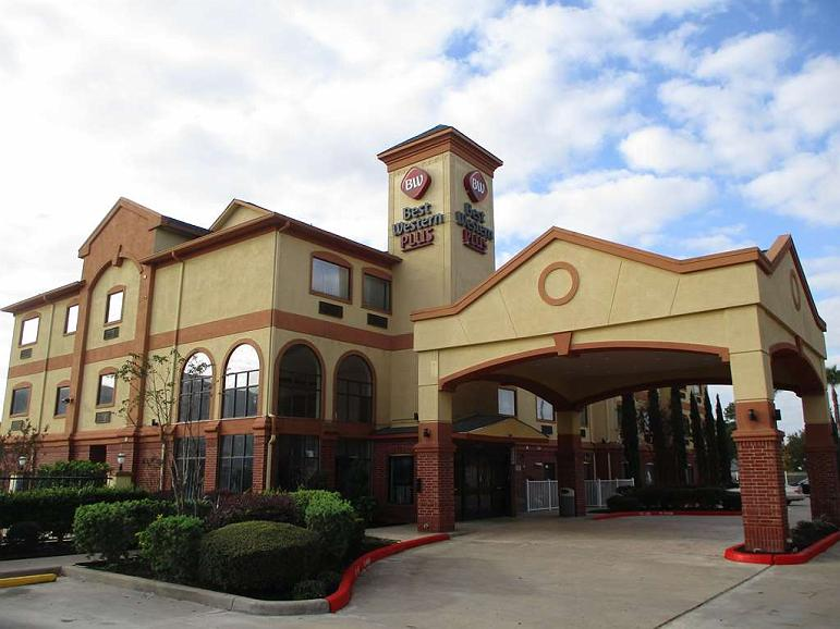 Best Western Plus Sam Houston Inn & Suites - Vista exterior