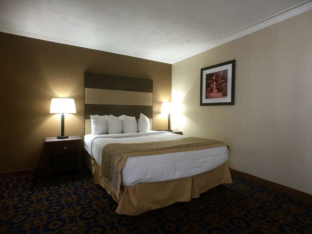 Best Western Butch Cassidy Inn - One Queen Bed Guest Room