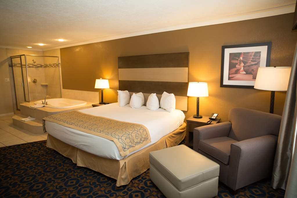 Best Western Butch Cassidy Inn - King Jacuzzi® Guest Room