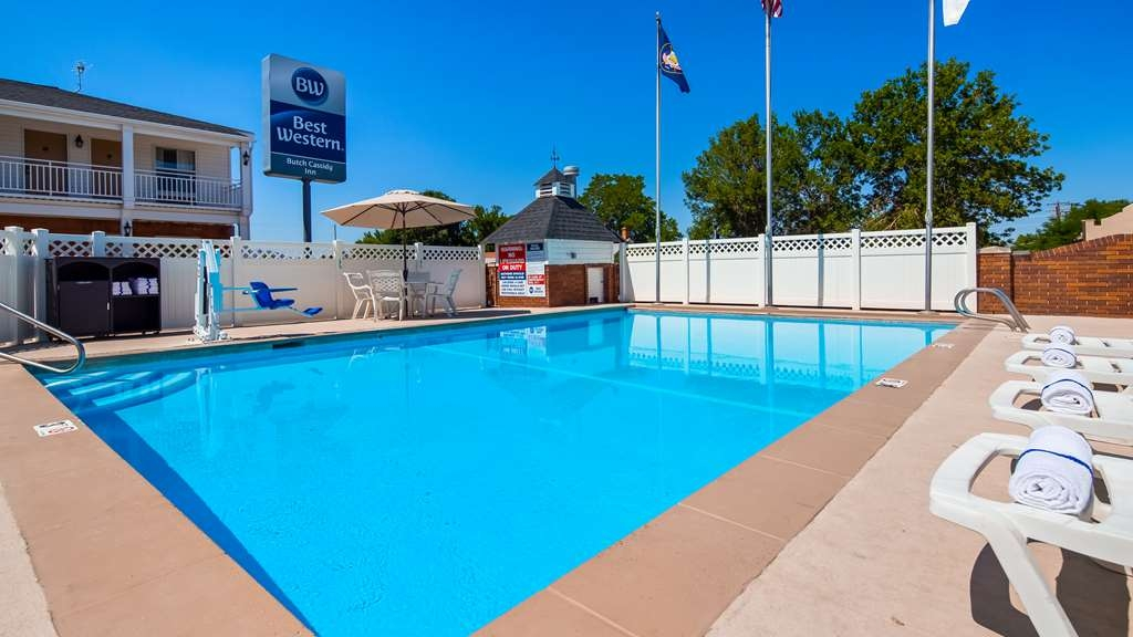 Best Western Butch Cassidy Inn - The outdoor pool is perfect for swimming laps or taking a quick dip.