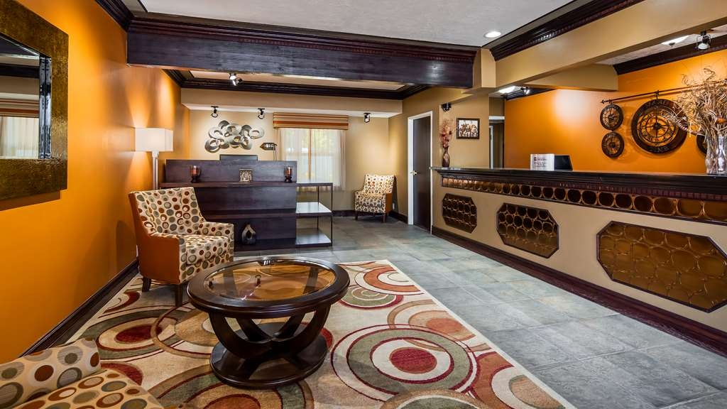Best Western Butch Cassidy Inn - First impressions are the most important, and our chic lobby is no exception to that rule.