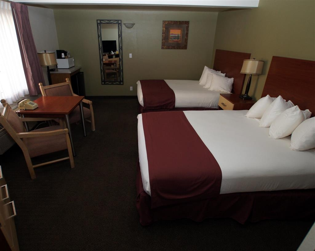Best Western Red Hills - Our double queen guest rooms are perfect for traveling families.