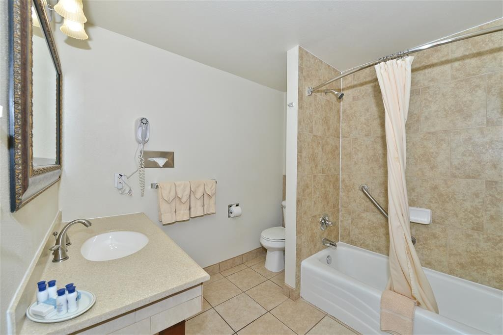 Best Western Red Hills - Our bathrooms are stocked with the amenities you need.