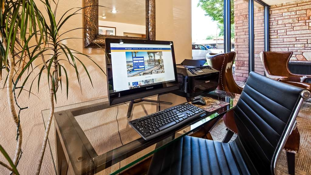 Best Western Red Hills - Check your email or browse the web at the business center. Printer available.