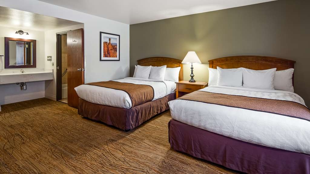 Best Western Red Hills - Give your family a comfortable night's sleep in our double queen guest room.