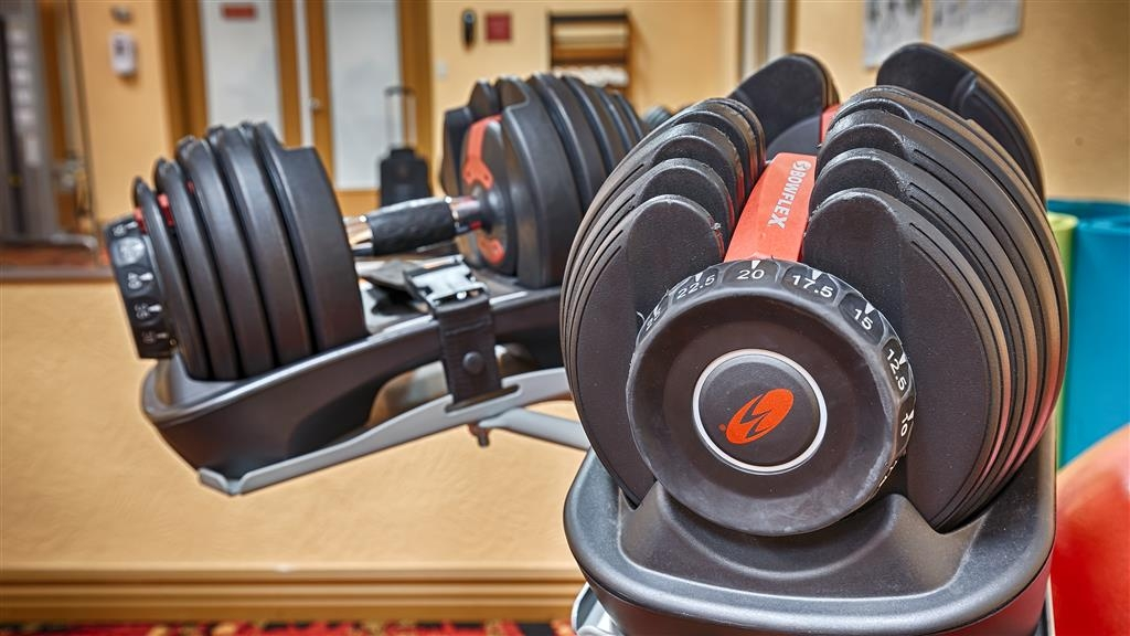 Best Western Red Hills - A variety of equipment is available for your use in the fitness center.