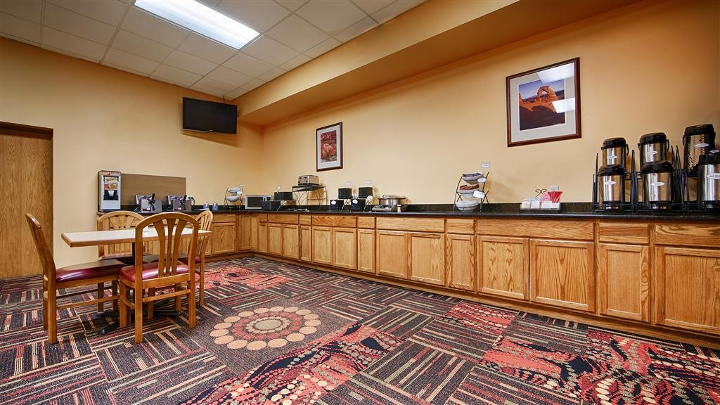 Best Western Red Hills - Enjoy complimentary breakfast each day of your stay.