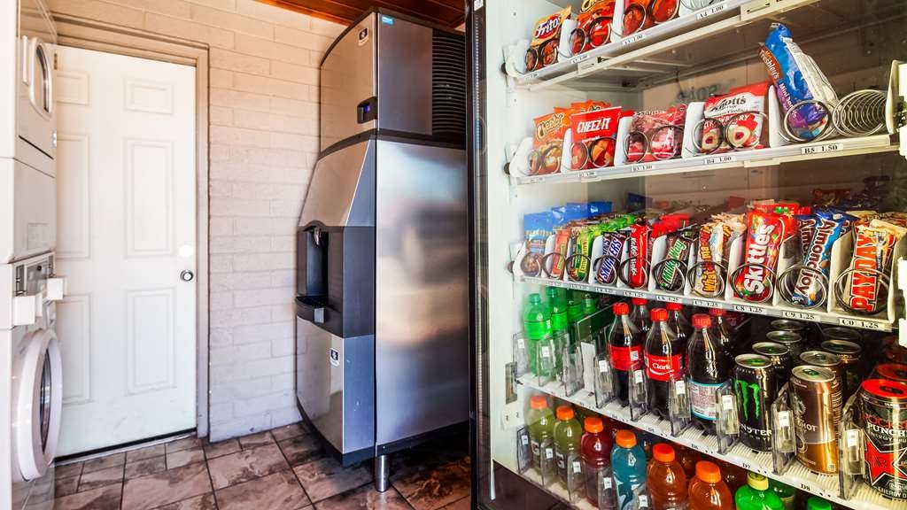 Best Western Travel Inn - Vending and ice