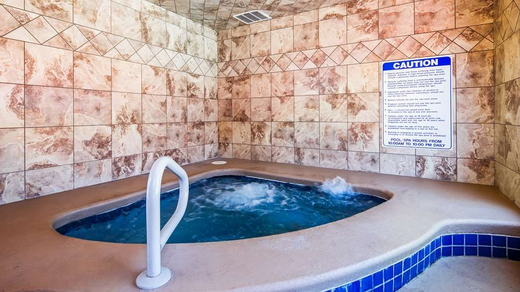Best Western Travel Inn - Our indoor hot tub is open all year.