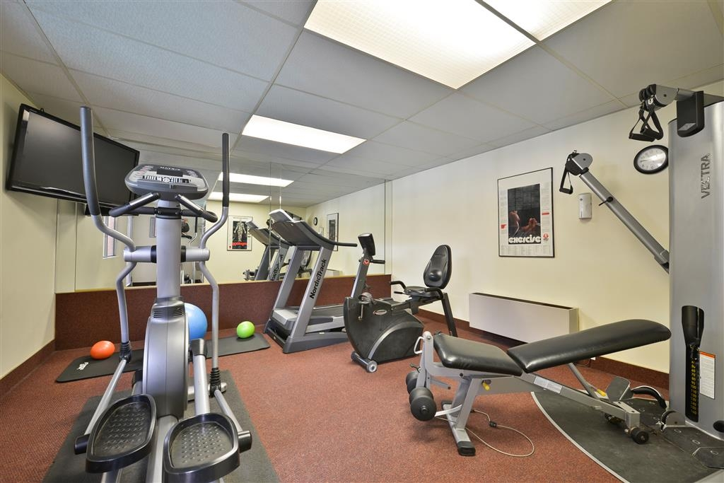 Best Western Coral Hills - Our fitness center allows you to keep up with your exercise routine while you're on the road.