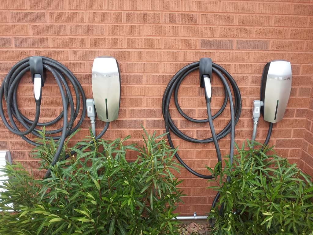 Best Western Coral Hills - Car Charging Station for your electric vehicles