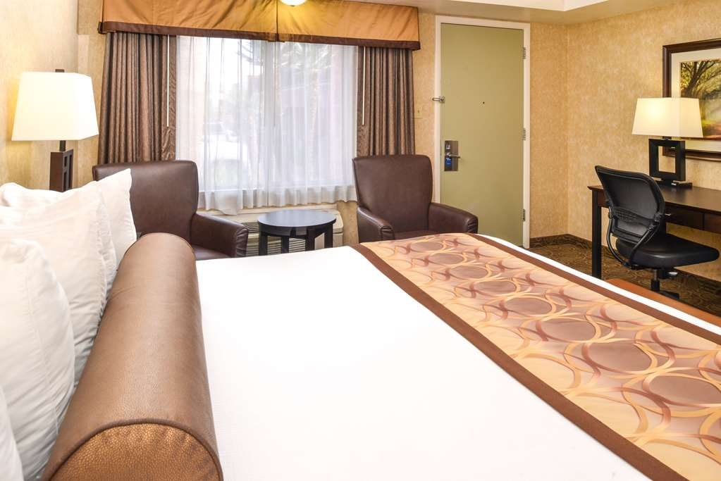 Best Western Coral Hills - Nothing beats our comfortable mattresses in all of our guest rooms.