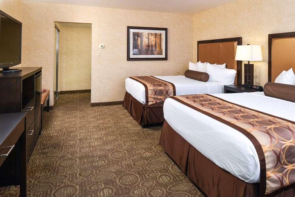 Best Western Coral Hills - Wake up refreshed in this two queen room featuring coffee maker and hair dryer