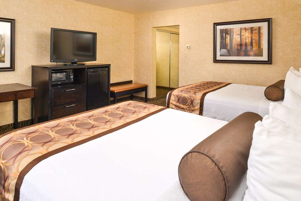 Best Western Coral Hills - Have the perfect family trip in St George, UT and stay in our two-queen room.