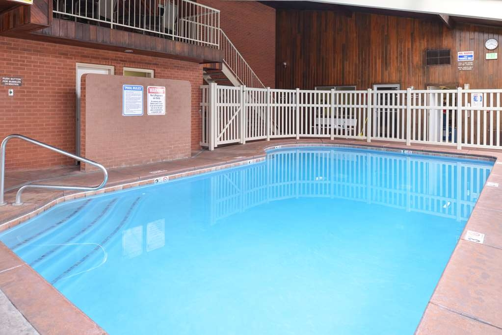 Best Western Coral Hills - Don't let the weather stop you from jumping in, our indoor pool is heated year-round for you and your friends.