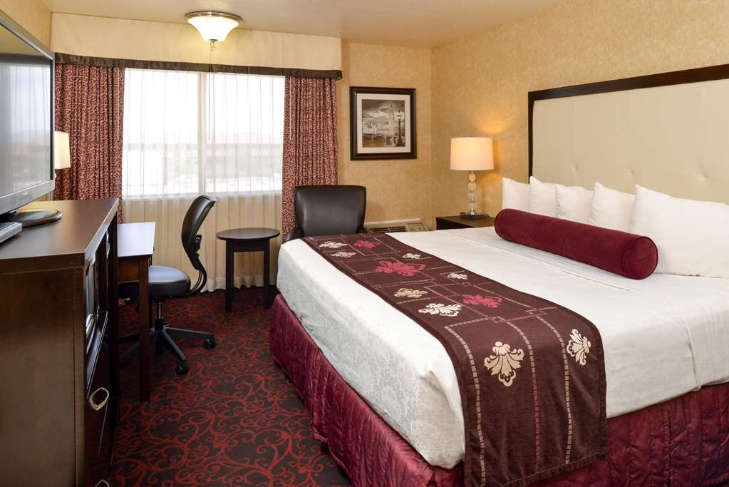 Best Western Coral Hills - Our King Guestrooms are waiting for your visit.