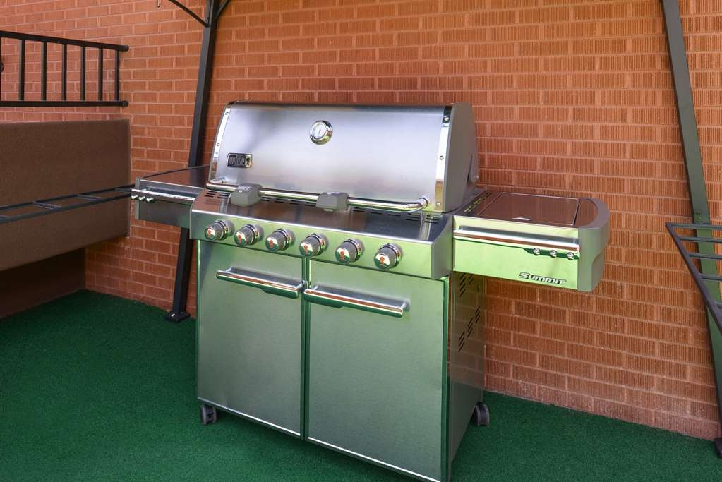 Best Western Coral Hills - Outdoor grills available for guest use helps our guests feel at home.
