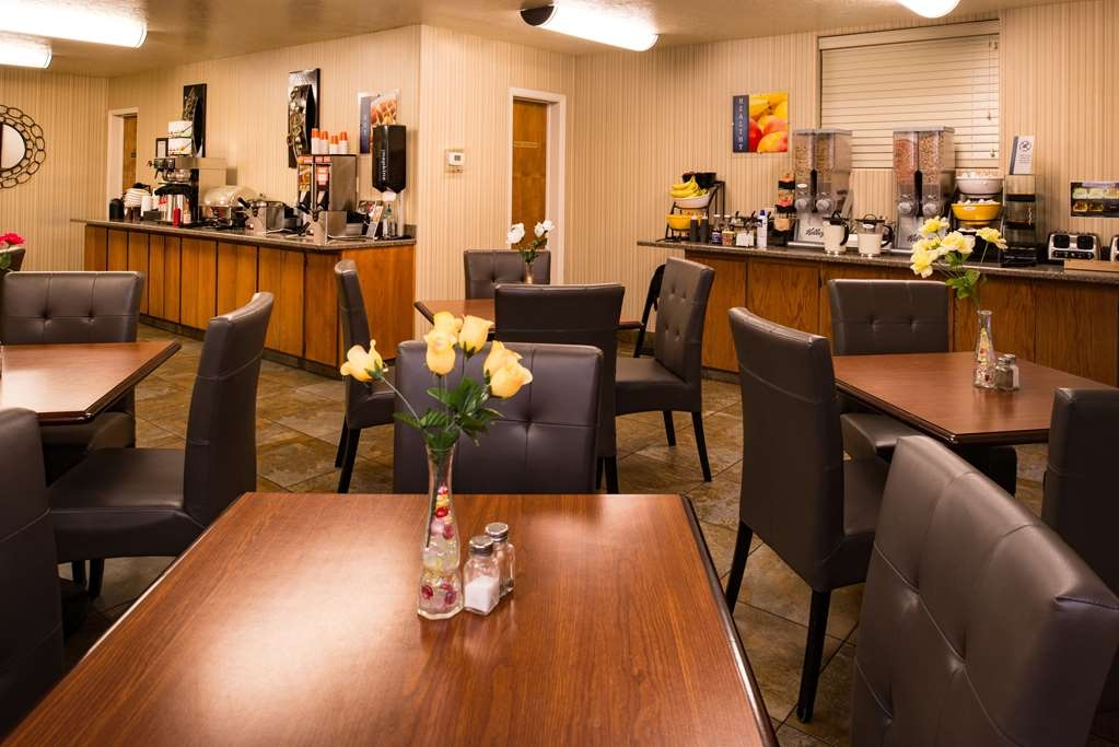 Best Western Coral Hills - Let the kids splurge and watch their favorite morning cartoons while eating breakfast.