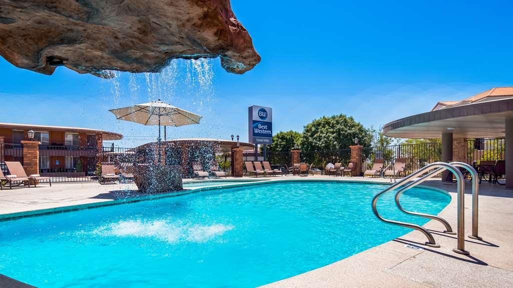 Best Western Coral Hills - Vista de la piscina