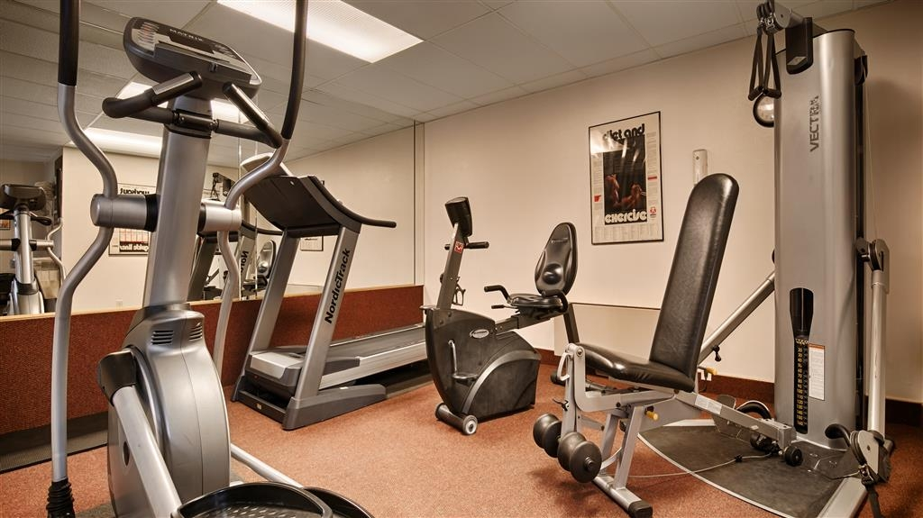 Best Western Coral Hills - Workout with our treadmill, stationary weights and bike and elliptical machine; inexpensive day passes are available for nearby full fitness center.