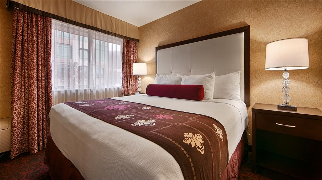 Best Western Coral Hills - This king guest room is located in our indoor east wing.