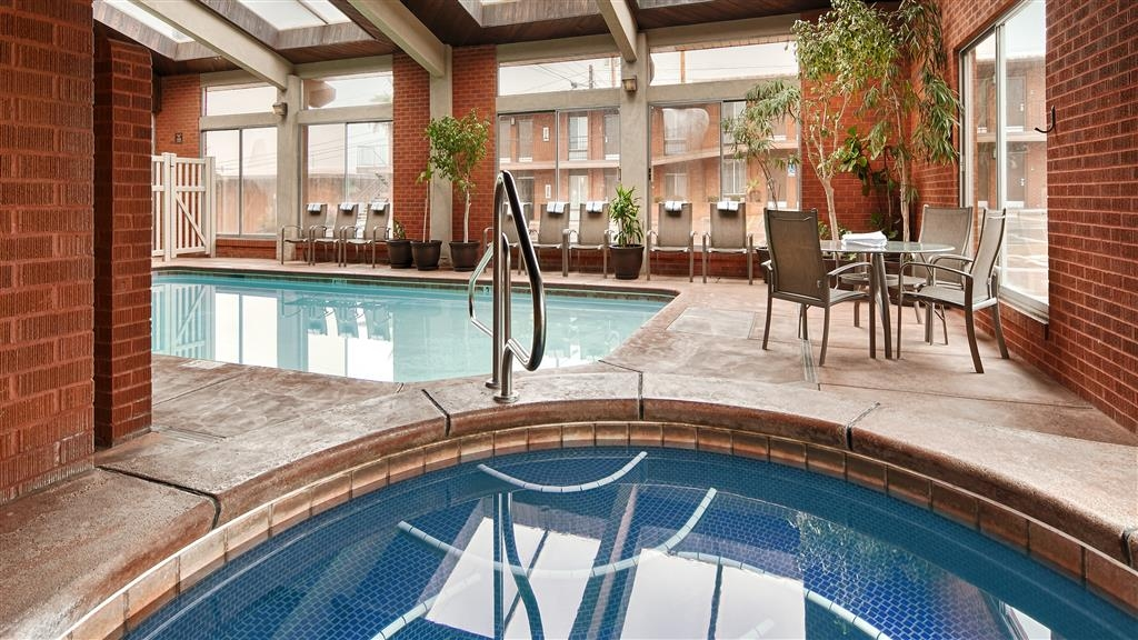 Best Western Coral Hills - Indoor Heated Pool and Spa - Open Year Round