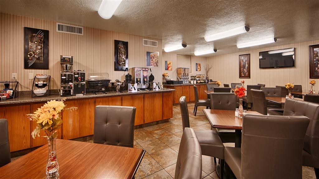Best Western Coral Hills - Wake up each morning to a delicious complimentary full breakfast!