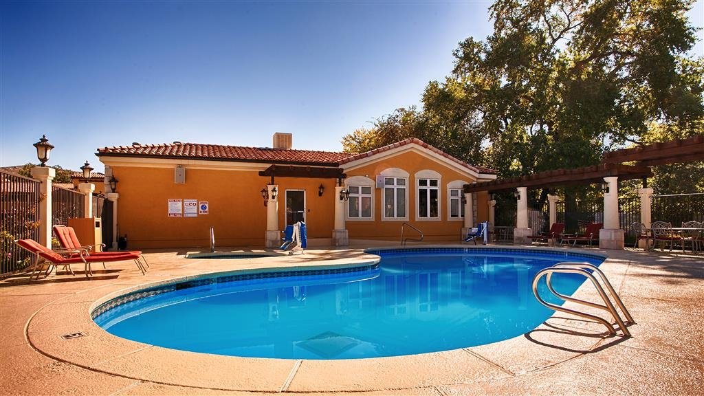 Best Western Plus Greenwell Inn - Swimmingpool
