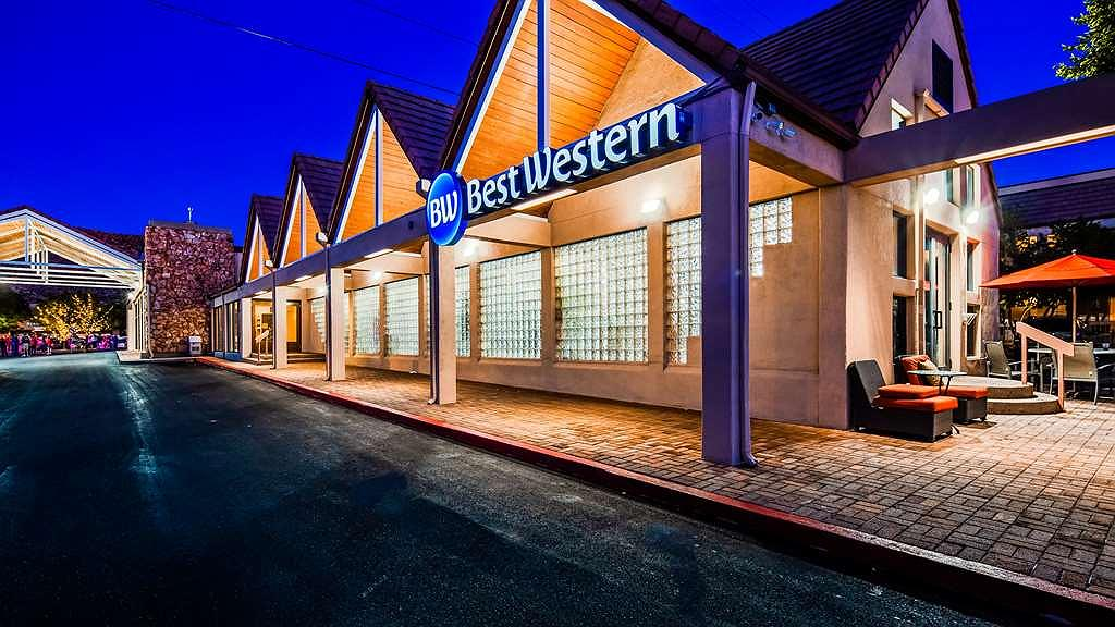 Best Western Town & Country Inn - Area esterna