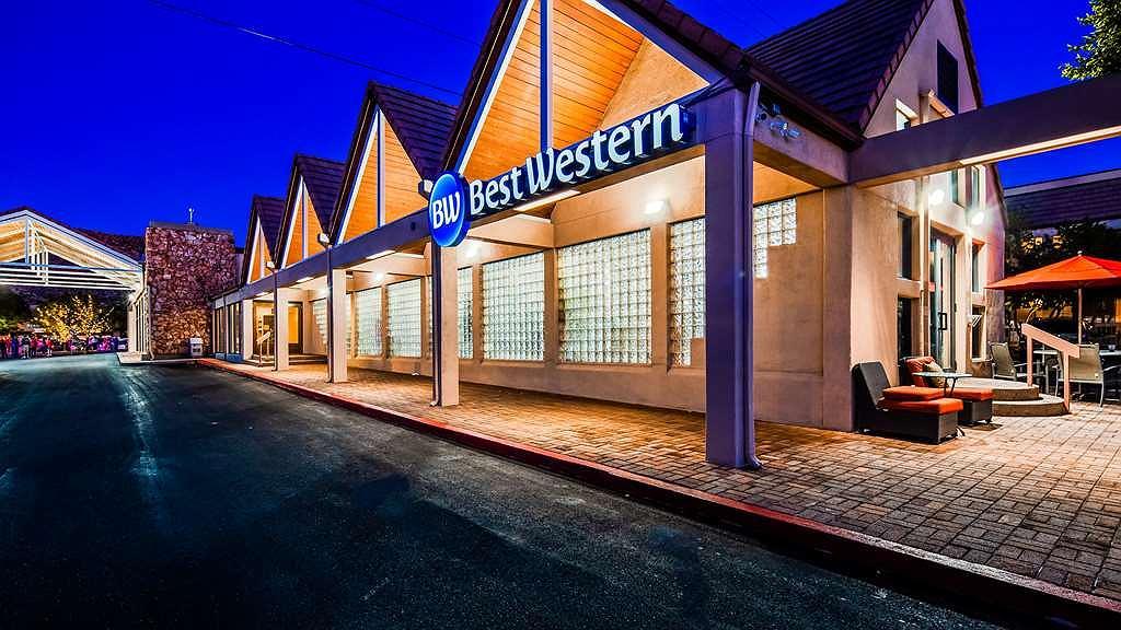 Best Western Town & Country Inn - Area esterna
