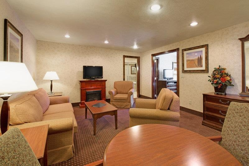 Best Western Plus Weston Inn - Habitaciones/Alojamientos