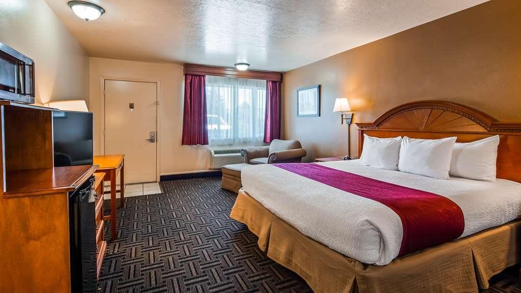 Best Western Paradise Inn - Nuestra amplia habitación cuenta con todas las comodidades propias del hogar.