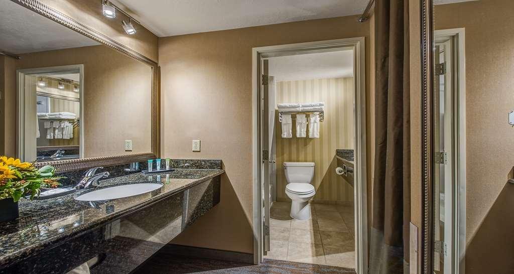 Best Western Plus Canyonlands Inn - All guest bathrooms have double vanities with plenty of room to unpack the necessities.
