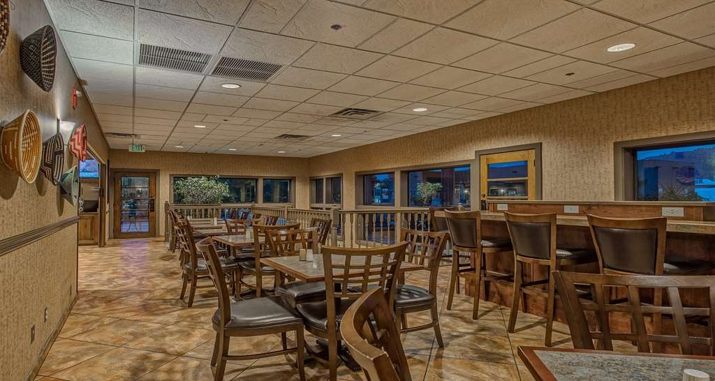 Best Western Plus Canyonlands Inn - Even if you're in a rush, don't miss the most important meal of the day.