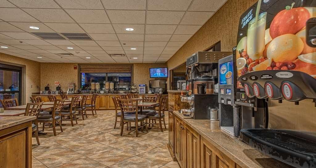 Best Western Plus Canyonlands Inn - Our menu includes the following beverages: coffee, hot tea, orange juice, apple juice and guava juice.