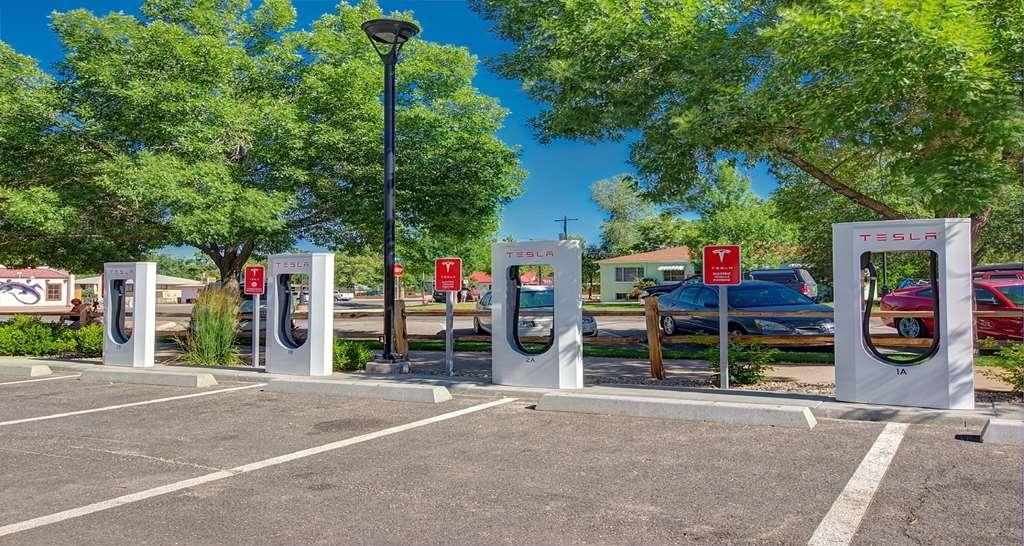 Best Western Plus Canyonlands Inn - Tesla Charging Stations
