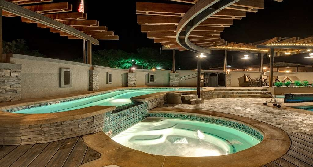 Best Western Plus Canyonlands Inn - There's nothing like a relaxing dip in our hot tub after a long day.